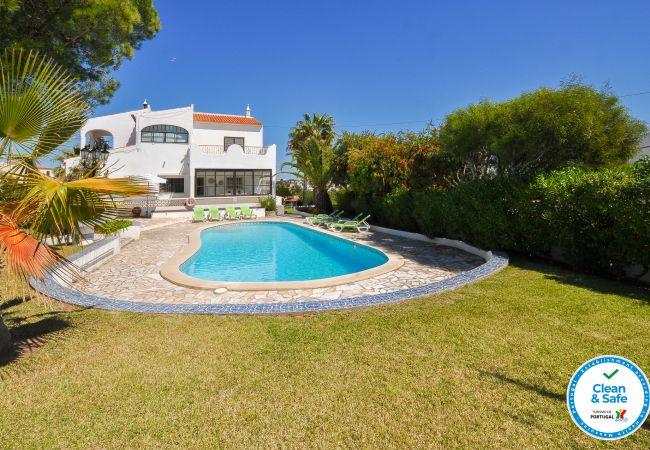 Villa em Galé - Villa Windrose OCV - Piscina e 2min Praia
